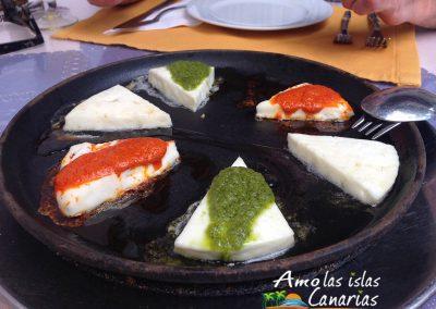 como se hace la receta del queso asado con mojo de las islas canarias arona