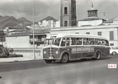 foto de guagua antigua en tenerife bus