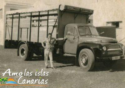 fotos antiguas de canarias hombre con camion en las islas canarias tenerife adeje