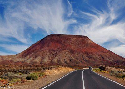 montaña roja en el medano municipio de granadilla de abona