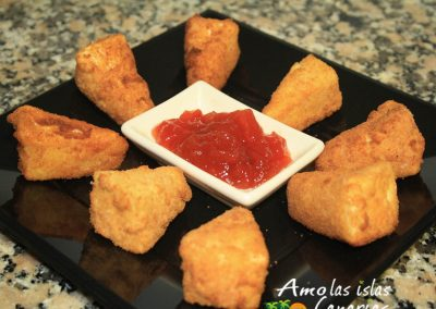 receta de queso frito con mermelada tipico de las islas canarias arona