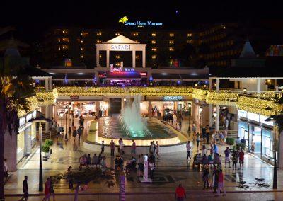centro comercial oasis center los cristianos safari en tenerife amo las islas canarias