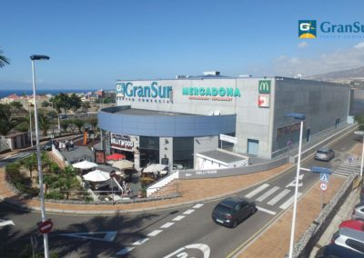 centro comercial gran sur en costa adeje tenerife sur ocio tiendas negocios locales restaurantes y bares