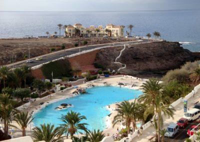 lago lido piscina de agua natural en playa paraiso costa adeje tenerife sur ocio y diversion turismo en canarias