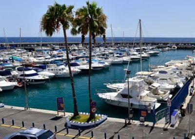 puerto colon en san eugenio costa adeje tenerife sur puerto de barcos