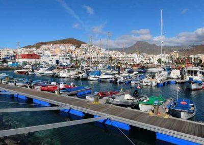 puerto de los cristianos en arona tenerife sur puerto maritimo pescar barcos excursiones