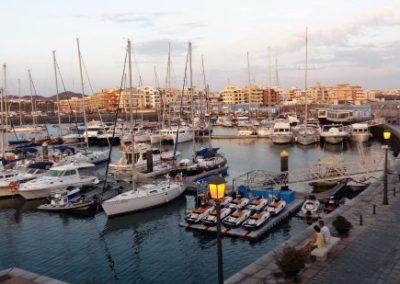 puerto maritimo de las galletas en arona tenerife sur pueblo pesquero pescar barcos marina del sur
