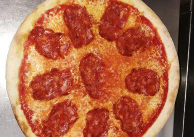 pizza-a-domicilio-aldea-blanca-pizzeria-fornoforo-manu-max-1