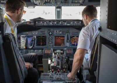curso de piloto en cabin crew school tenerife islas canarias